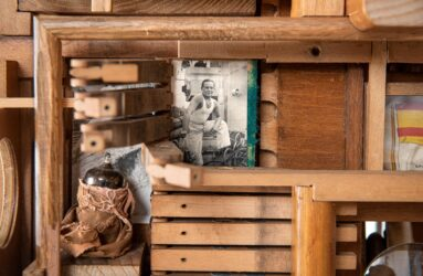 Lesley Hilling - Assemblage artist using recycled wood.